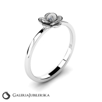 14k white gold flower ring with diamond