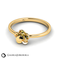 8k yellow gold flower ring with black zirconia