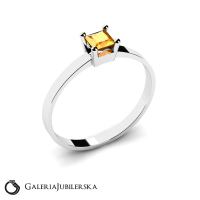 Classic 8k gold ring with zirconia