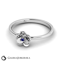 14k white gold flower ring with sapphire